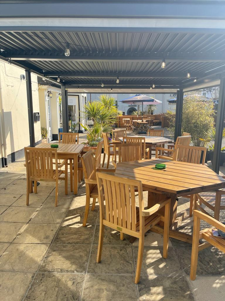 Eyre Court Hotel, sunny beer gardenclose to Seaton town centre